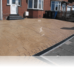 PROJECT 6 - AFTER - Octagon Stone Driveway with Country Cobble Double Border Biscuit on Brown