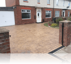 PROJECT 14 - AFTER - Ashlar Slate Driveway with Compass Feature Biscuit