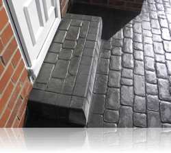 Rectangular Boot Kerb Step in Country Cobble